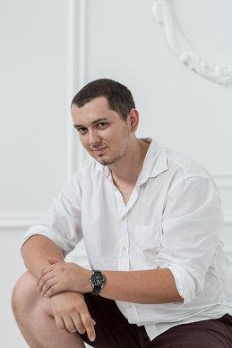 Влад Селезнев