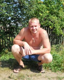 Николай Маров