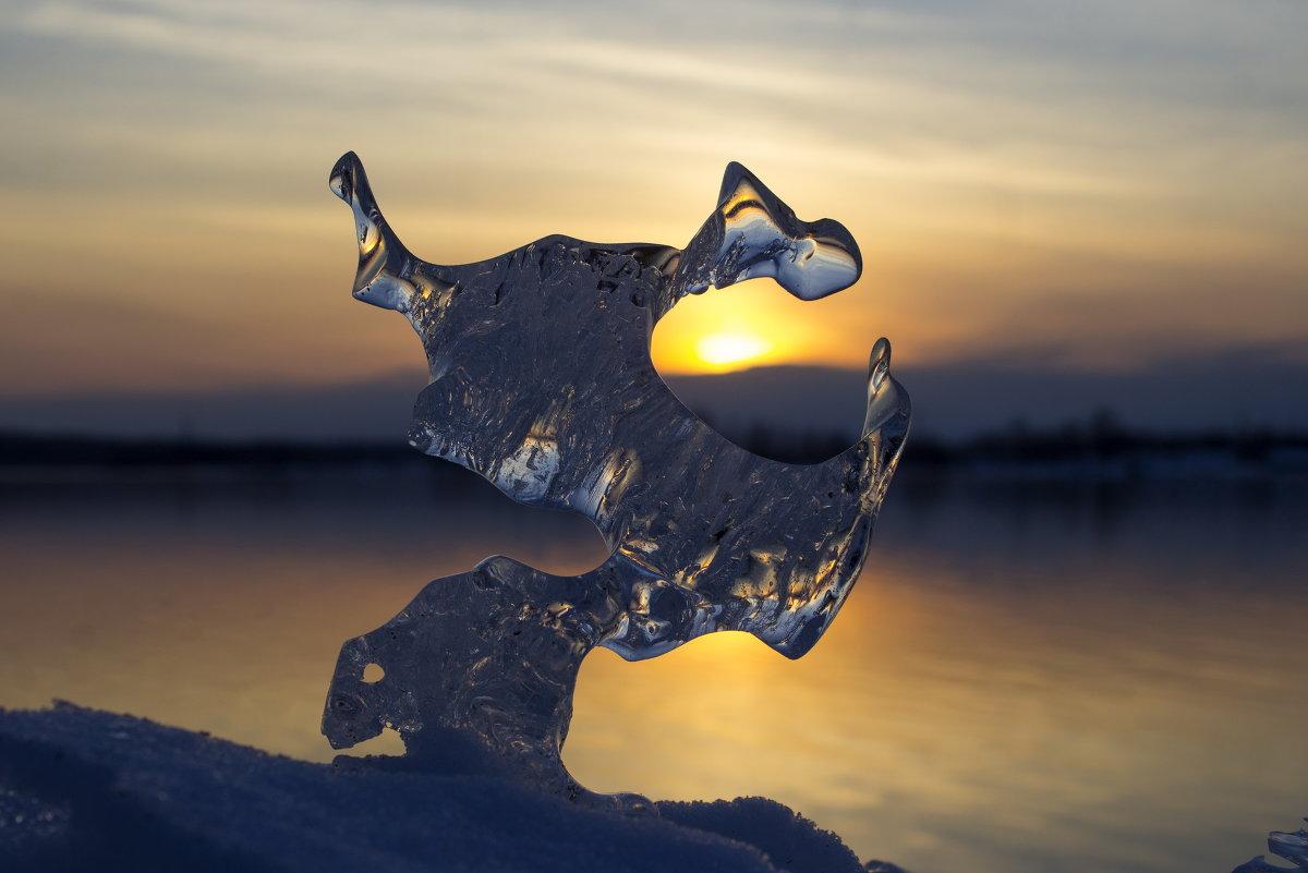 тает лед - Михаил