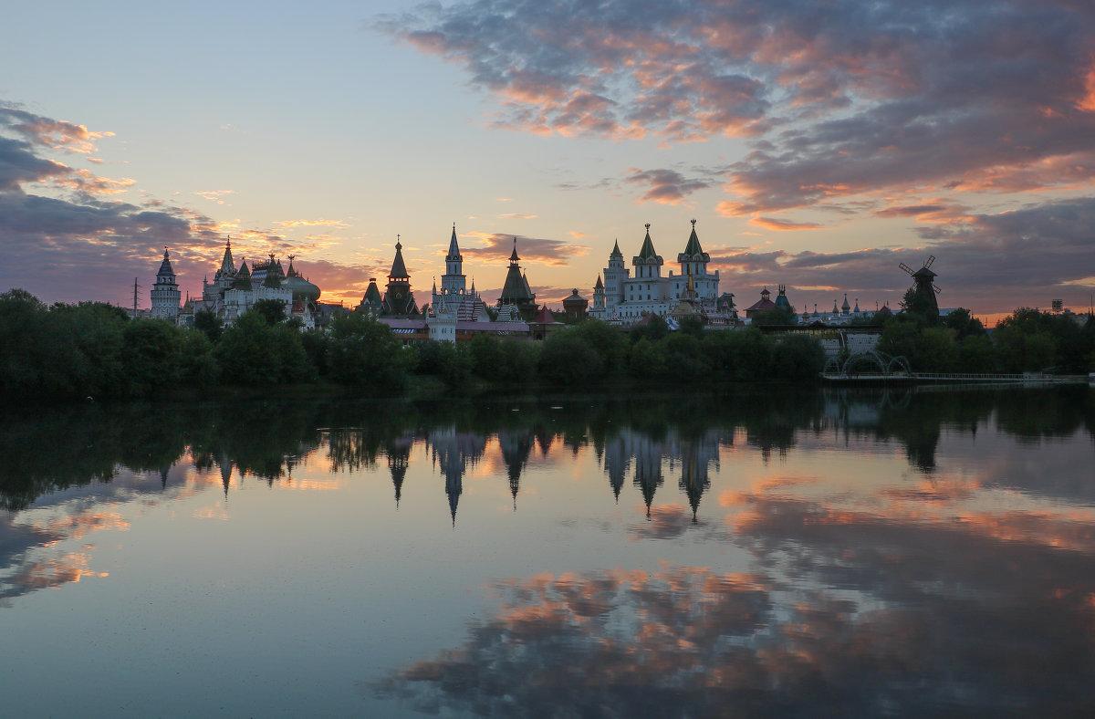 Измайловский кремль на закате - Наталья Визитиу