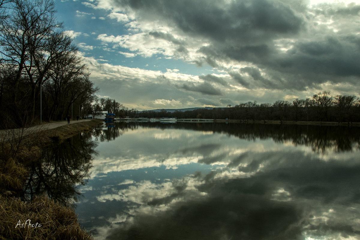 Зеркало воды - Адильхан Асадуллаев