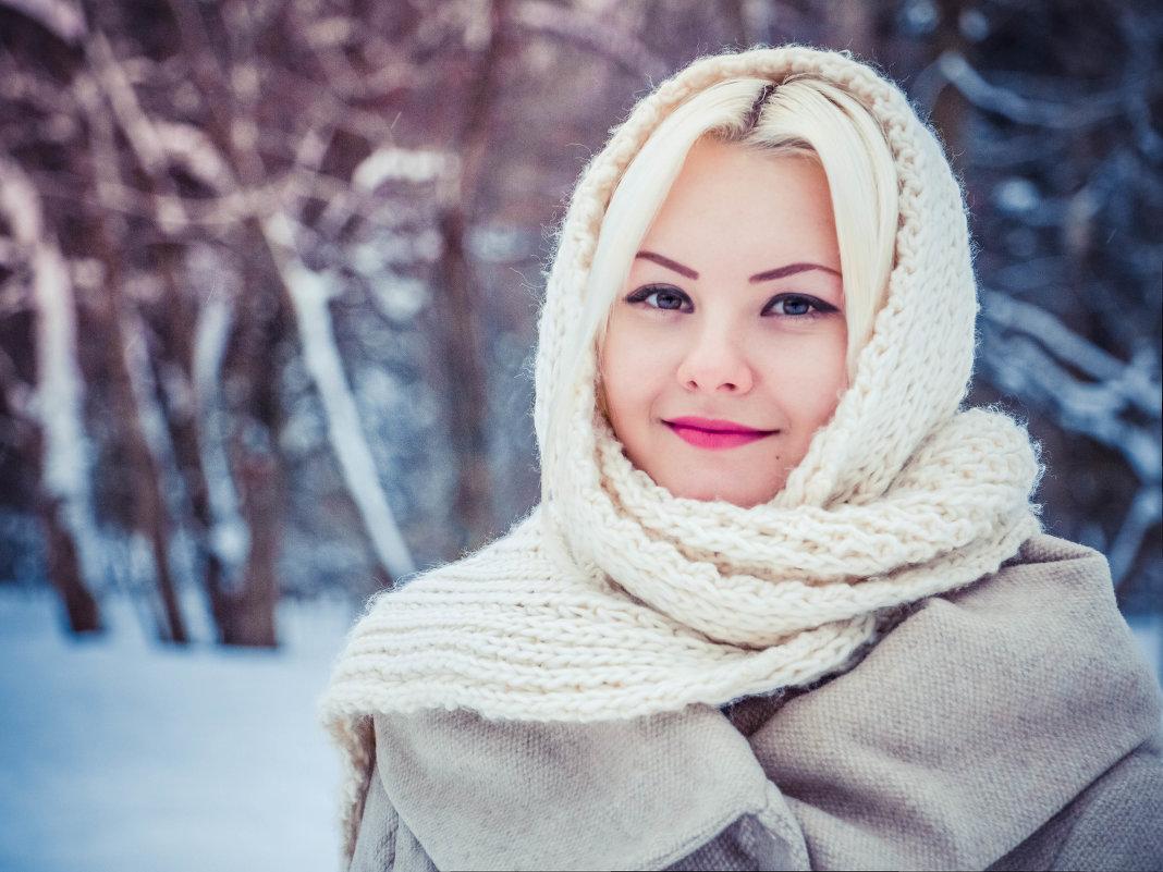 Русская красавица зимой посетила