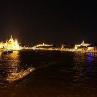 Ночные прогулки по Дунаю. Будапешт :: Алёна Савина