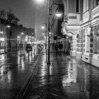 Ночь. Улица. Фонарь.... :: Константин
