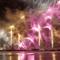 новогодний салют в Риге :: scbi