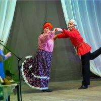 На сцене пенсионеры :: Валентин Кузьмин