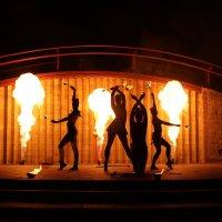 огненный танец :: Юлианна