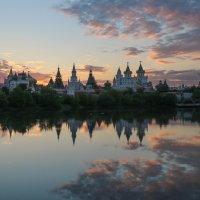 Измайловский кремль на закате :: Наталья Визитиу