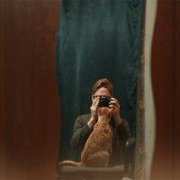 Автопортрет с котом :: Евгений