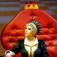 Не очень весёлые думы королевы. :: nadyasilyuk Вознюк