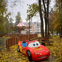 И кружатся, кружатся листья... :: Елена Иванова