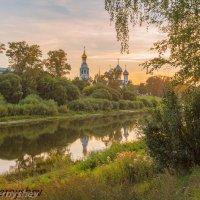 Закат над Вологодским кремлем. :: Олег Чернышев
