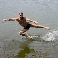 Полет над водой :: Александр Бойченко