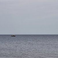 одинокий катер :: Iulia Efremova