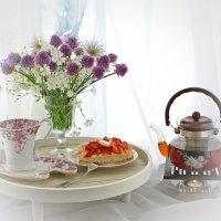 Утро начинается с чая :: Людмила Торварт