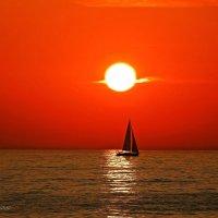 Яхта на закате. :: Дмитрий Макаров