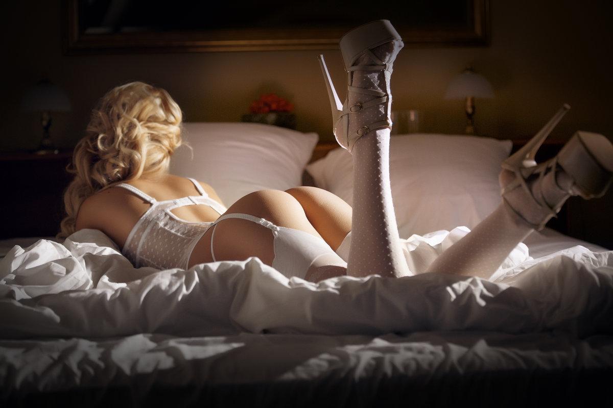 Сексуальные ролевые игры в постели видео в красивом белье