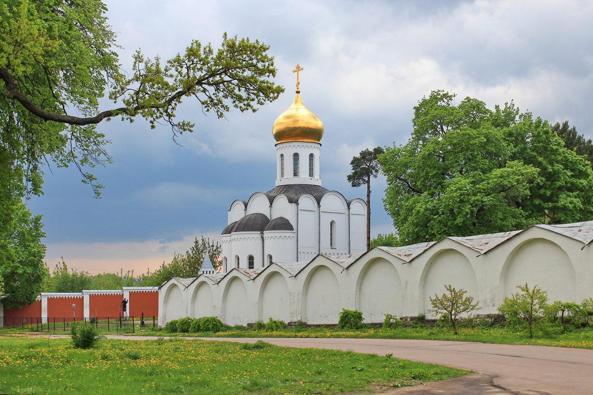 когда оснлван николо-угрешский монастырь можно подобрать