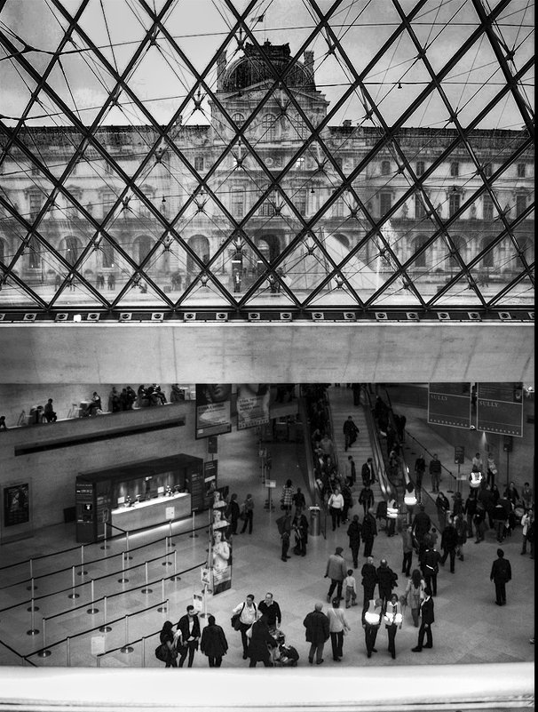 Louvre - Лара Leila
