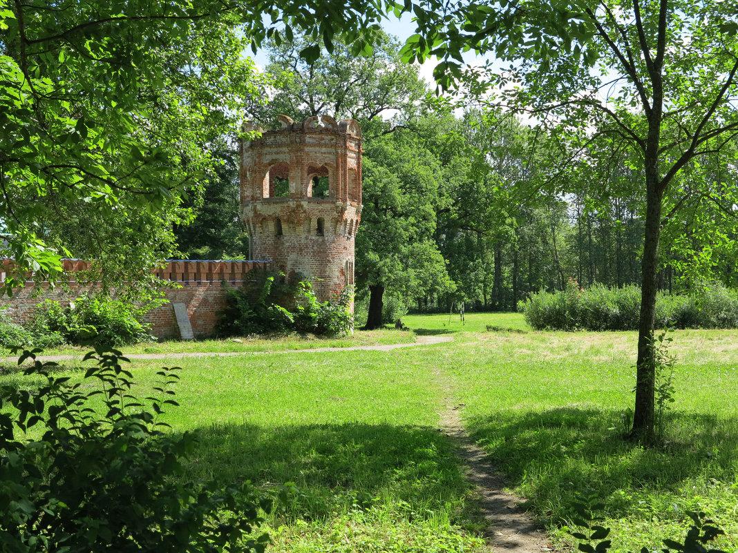 Одна из башен Федоровского городка - Наталья