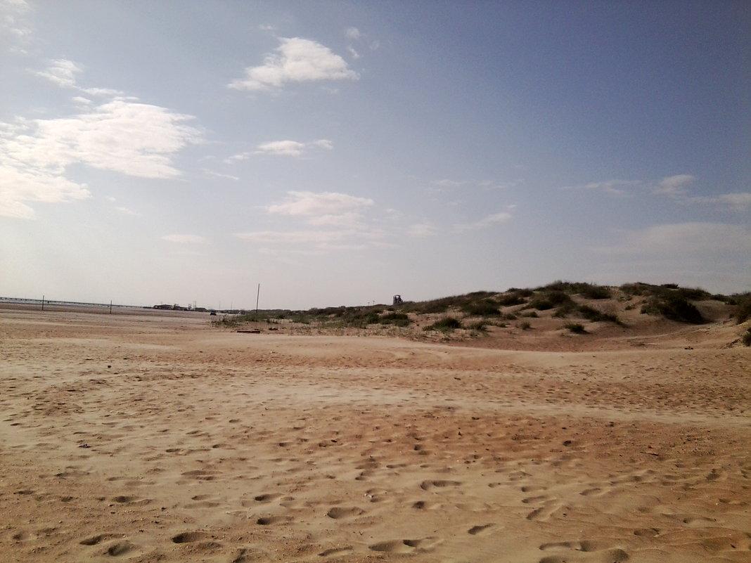 Пляж, полдень. - Иришка Бекетова