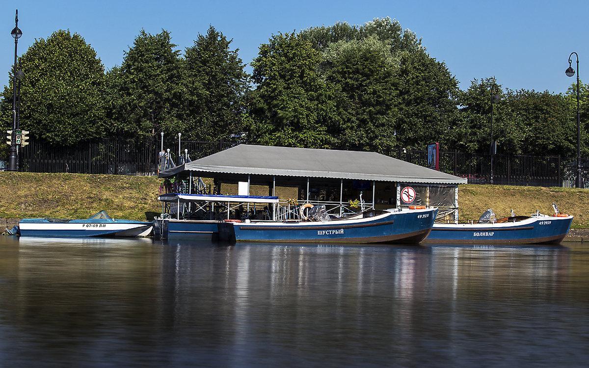 причалы для лодки