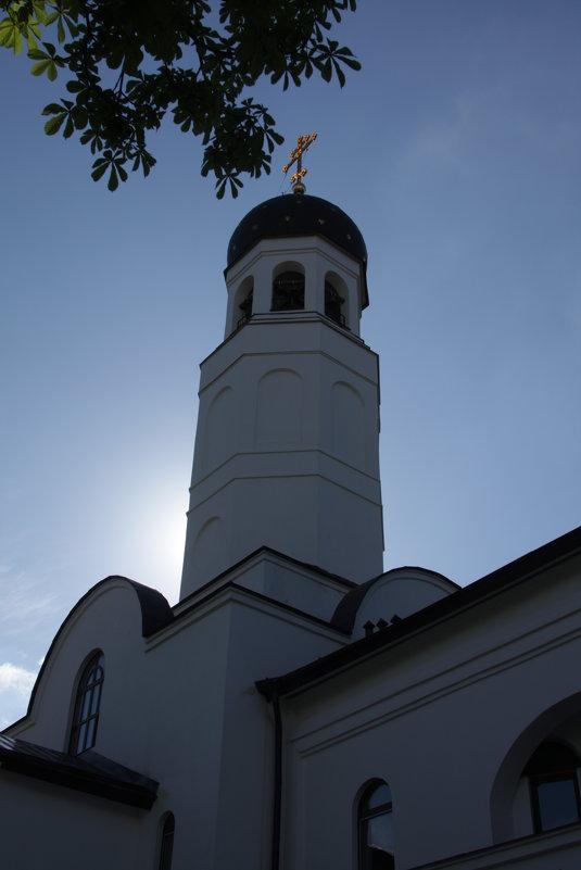 Церковь перед домом - Артём Исаев