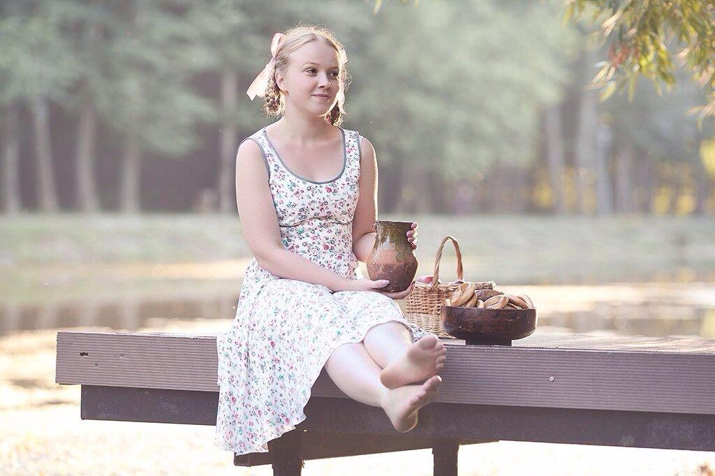 Девочка с баранками - Анастасия