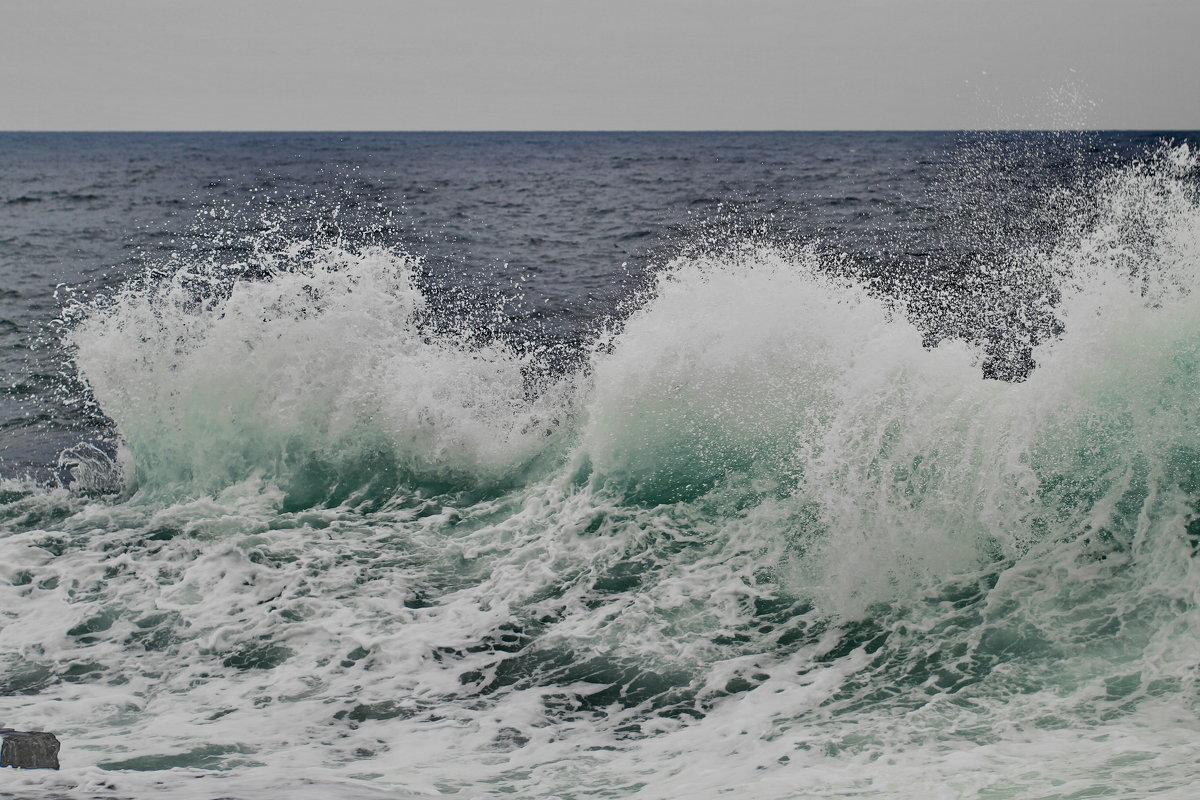 гребень  волны - valeriy g_g
