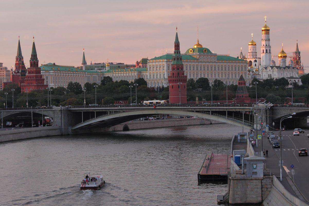 Прогулки по вечерней Москве 3 - Людмила Быстрова