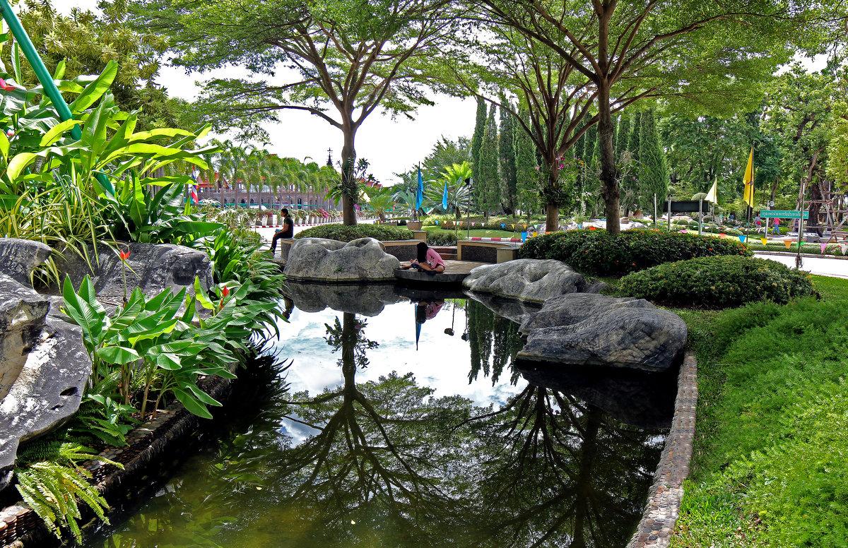 Таиланд. Корат. Парк рядом с храмом - Владимир Шибинский