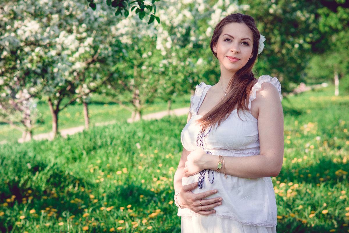 В саду - Мария Прусакова
