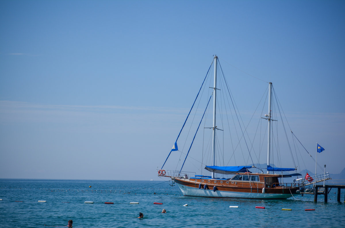 Лодка в Средиземном море - Наталья Чуфистова