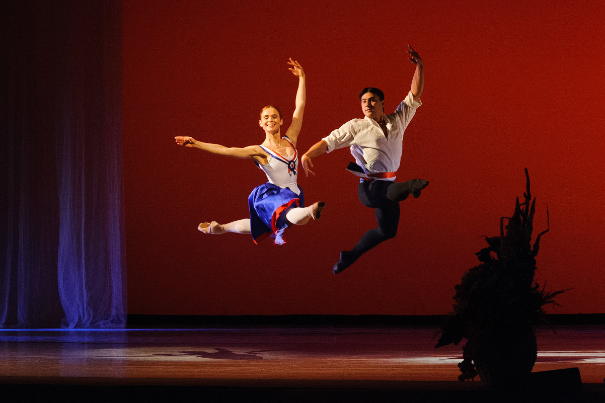 прыжок - Дмитрий Часовитин