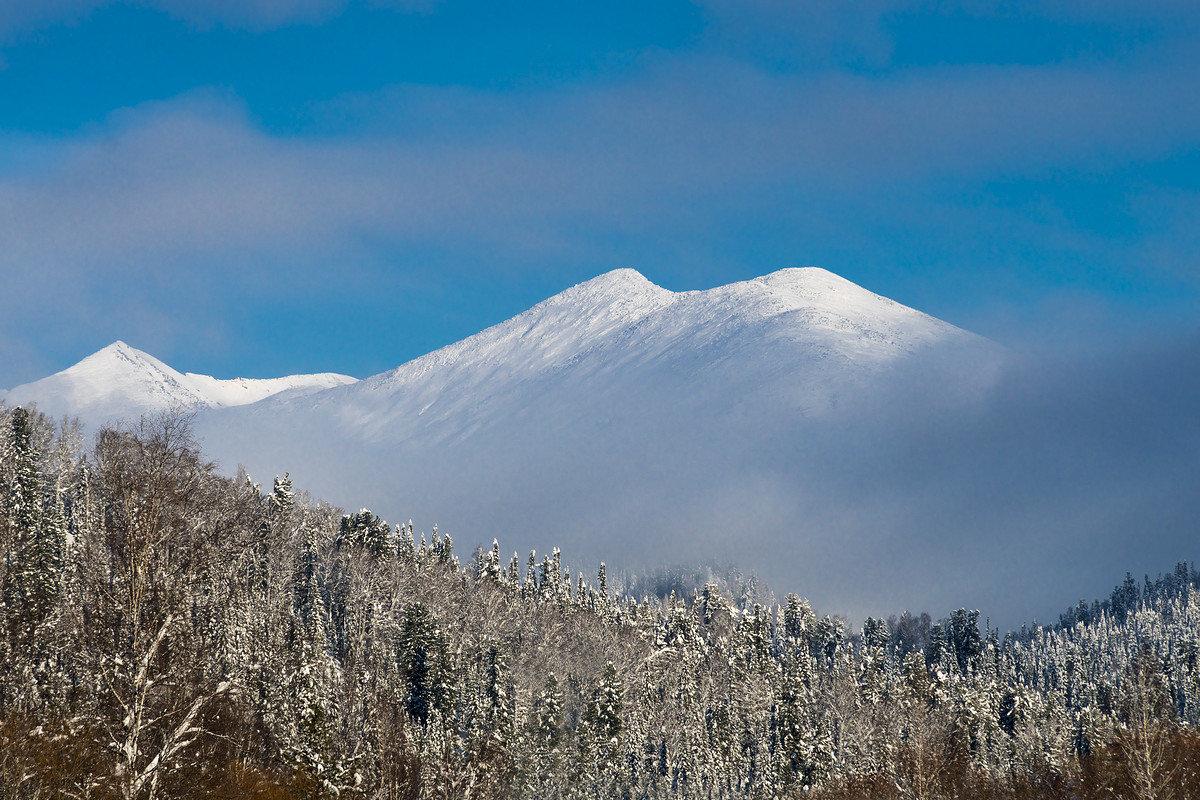 Горы в облаках - Александр Потапов