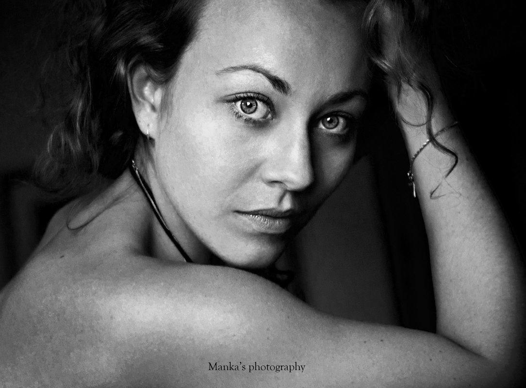 * - Julia Manka Strykova