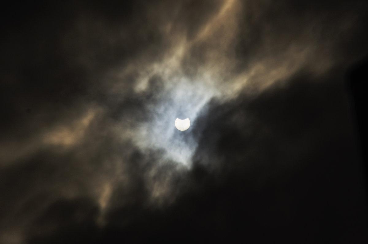 Солнечное затмение - Виталий Павлов