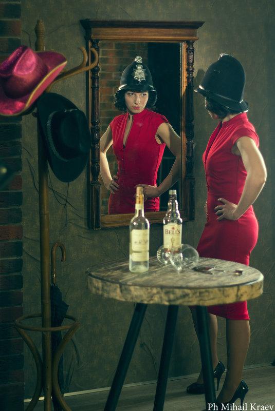 Гламурная девица в баре ) - Михаил Краев