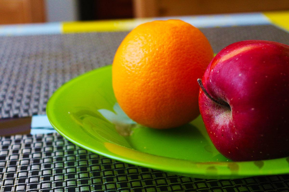 Апельсин с яблочком) - Nadezhda Ulitina