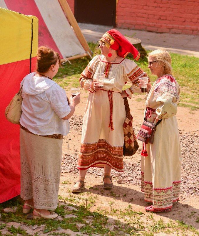 Три девки один мужик 12 фотография