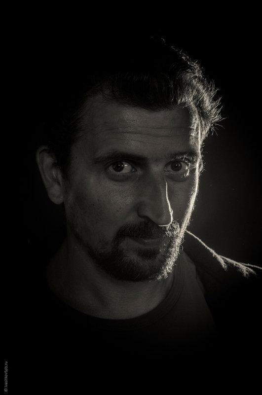 Мужской портрет - Александр Ивашков