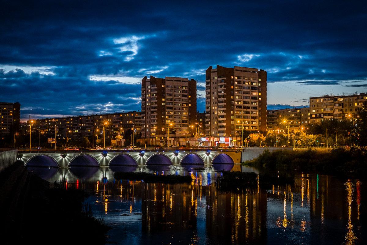 Виды Челябинска. Вечер - Марк Э