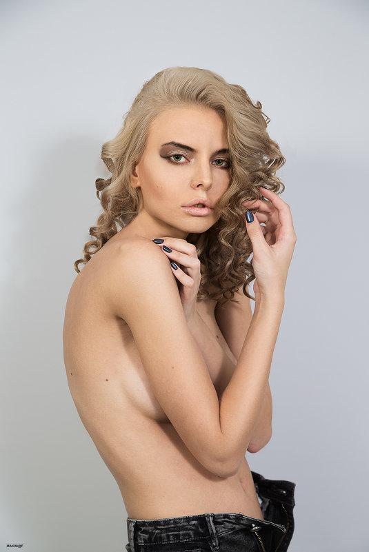 Голая Кузнецова Фото