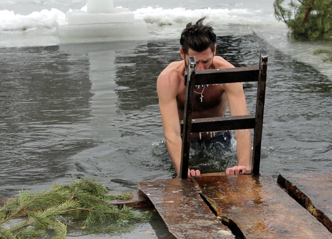 Крещенское купание в проруби. - Валентина ツ ღ✿ღ