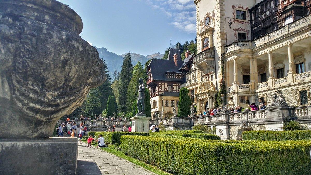 Peleș Castle - Vadim Zharkov