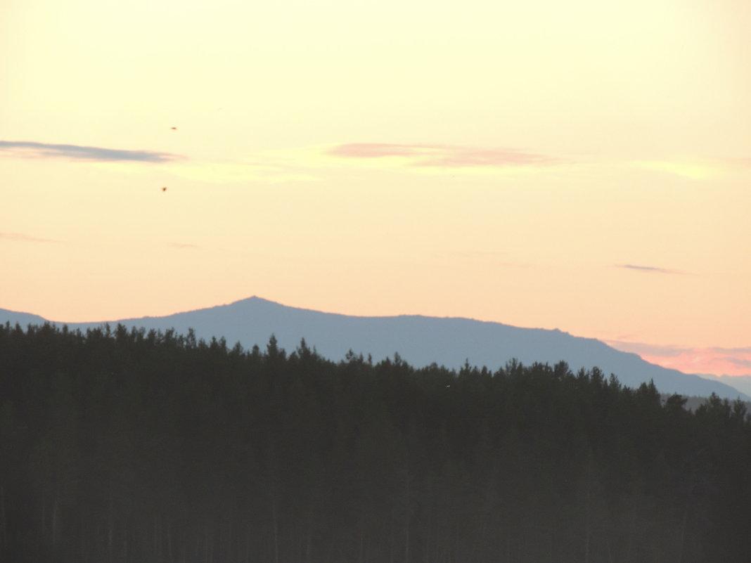 закат и горы - Мария щербакова