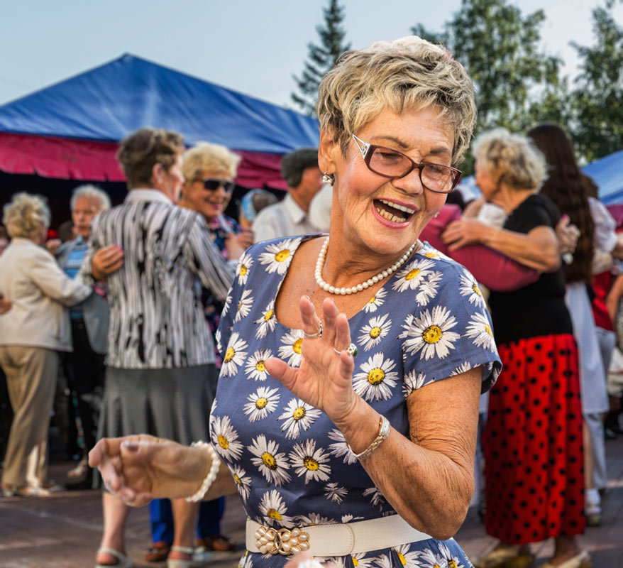 Танцы в сквере - Nn semonov_nn
