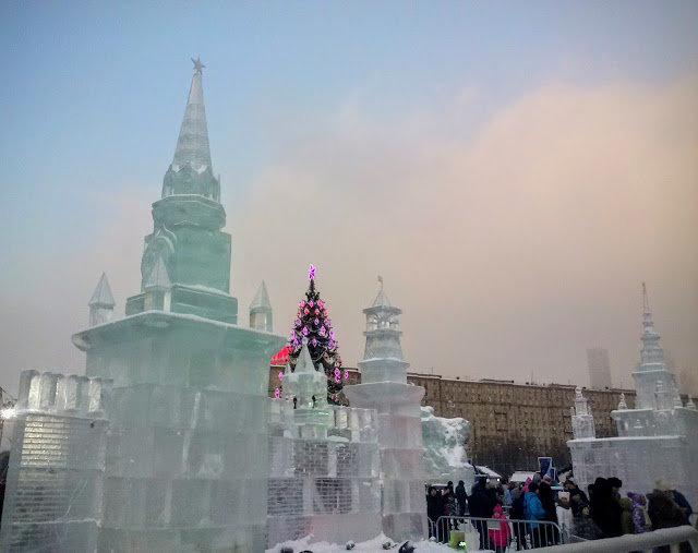 Ледяной город на Поклонной горе. - Larisa Ereshchenko