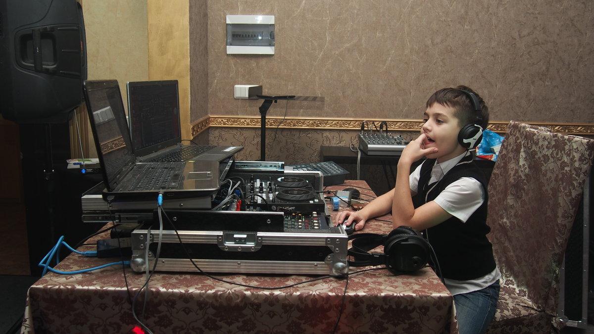 Юный DJ - Сергей Михальченко