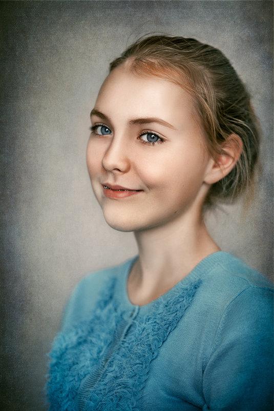 *** - Ирина Христенко